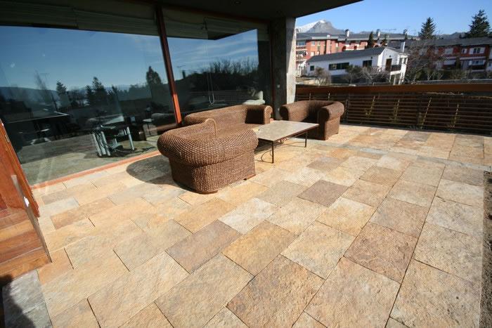 Suelos para exteriores piedra natural en rivas vaciamadrid for Piedra natural para exterior